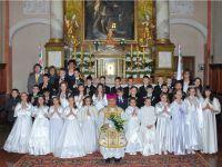 Első szentáldozás a sárvári Szent László Katolikus Általános Iskolában