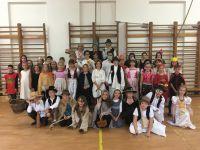 Népmese napja a sárvári katolikus iskolában